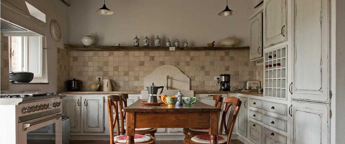 Cucine artigianali arte povera Toscana